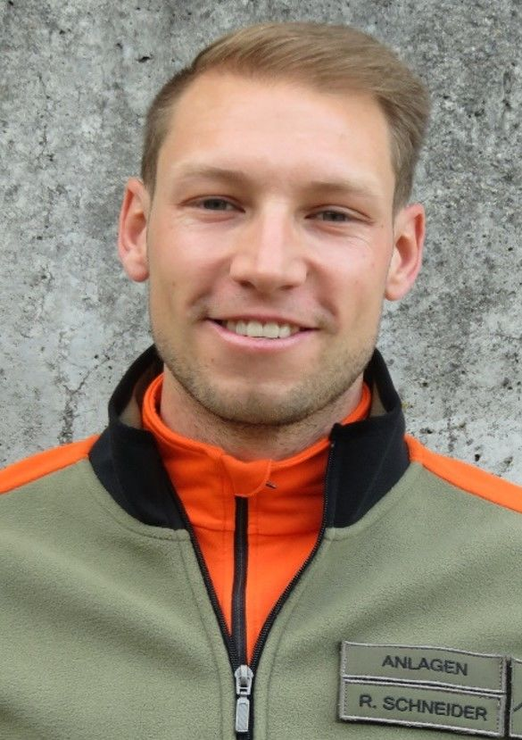 Raphael Schneider